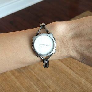 D&G bracelet watch (AUTHENTIC). ✨